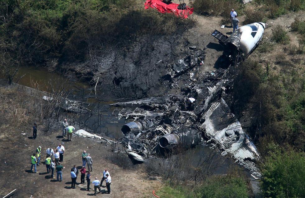 美国亿万富翁私人飞机坠毁爆炸 机上7人无一生还(图)