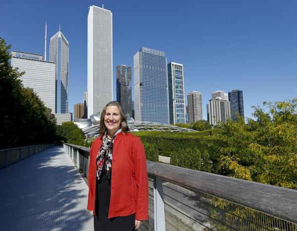 波士顿首席艺术和文化官员朱莉·布罗(Julie Burros)曾是2012年芝加哥文化规划项目的领头人