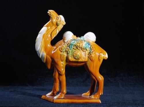 唐三彩:丝绸之路鼎盛时期的产物