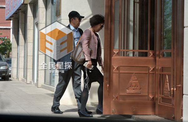 13岁美女的人体艺术_张铁林再报丑闻 被爆与女大学生有染儿子已13岁