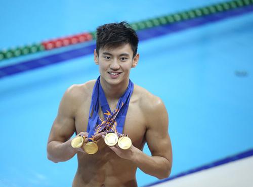 qq头像男生在游泳的图片大全