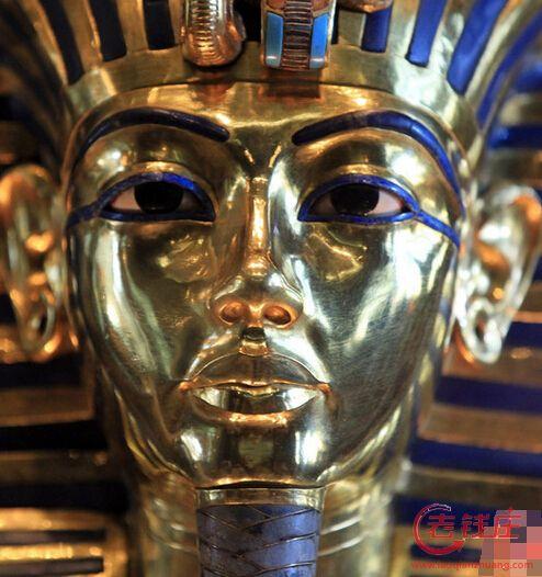 修 歪 埃及法老黄金面具的8名雇员将受审图片