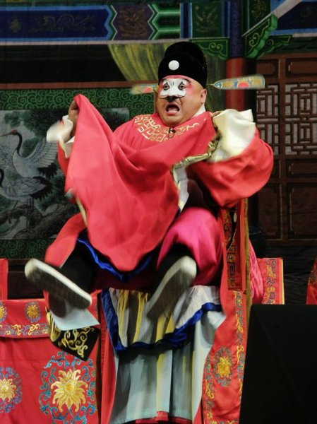 3月21日由豫剧表演艺术家,牛得草弟子金不换主演的《七品芝麻官》是上