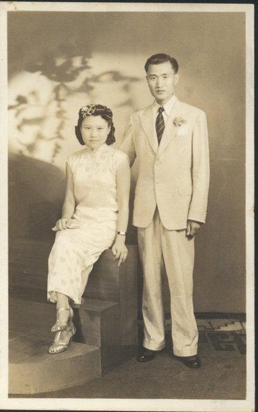 1941年7月,葛庭燧与何怡贞在上海结婚时的合影。