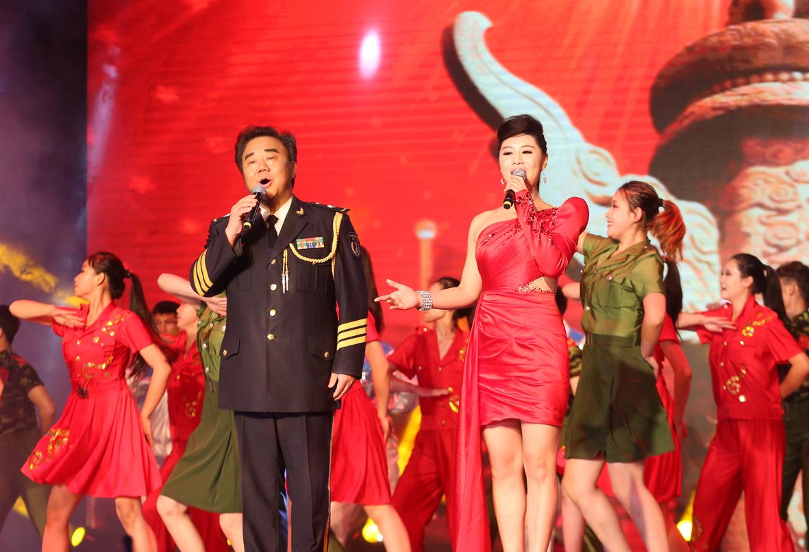 10,霍勇,刘晶演唱《共筑中国梦》