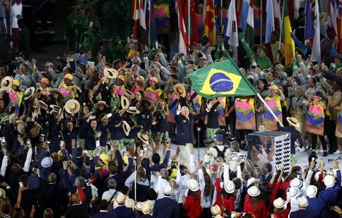 月5日,东道主巴西奥运代表团入场.当日,第31届夏季奥林匹克运