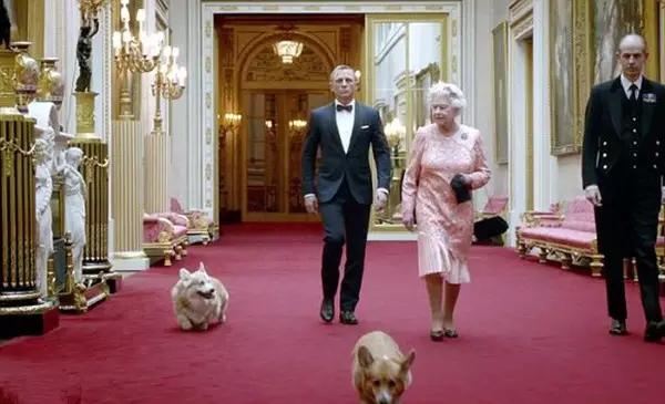 伦敦奥运会开幕式上令人惊叹的女王出场-奥运开幕式各种艺术范 桑巴图片