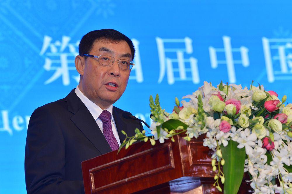 四川省人民政府副省长朱鹤新主持开幕式.