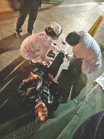 醉卧街头被车碾断腿