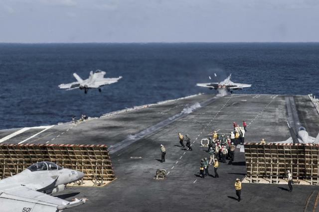 美军回应战舰是否闯中国岛礁:我们已在南海巡航70年