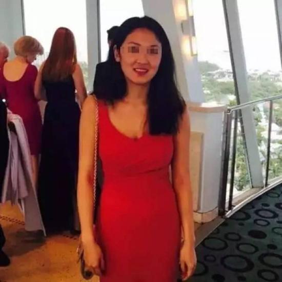 华裔女生突然晕倒跌入纽约地铁 手脚被碾断