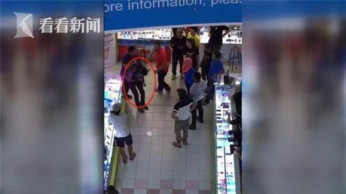 男子卖场厕所性侵女性 被愤怒民众围殴打死