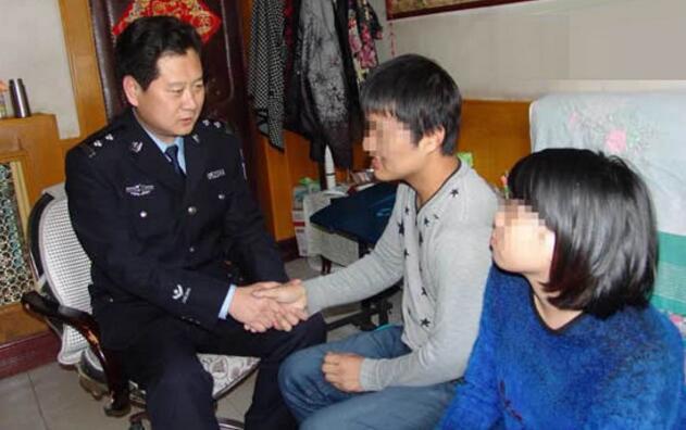 """热血刑警冀春雷:通过""""法治扶贫""""降低青少年犯罪率"""