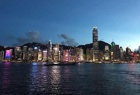 大型纪录片《紫荆花开》庆香港回归二十周年