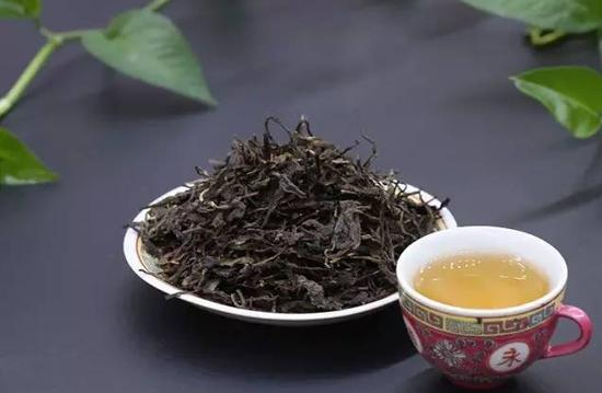 为什么业内人士多喜爱普洱茶?