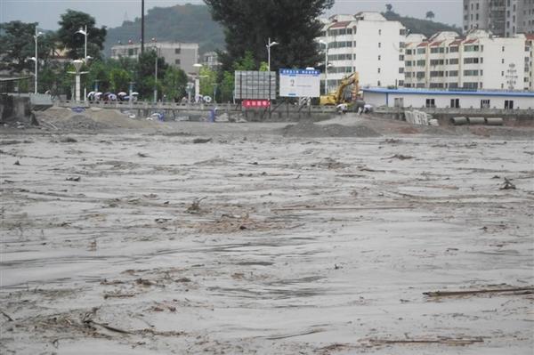 陕西遭遇百年不遇洪水 榆林直接经济损失达47亿图片