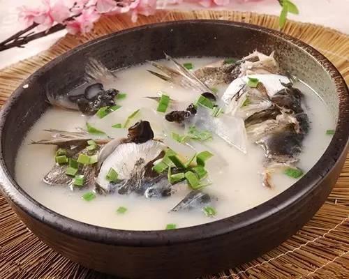首页>寻医·问药>食话食说食话食说                 鱼头重金属易超标 还能不能吃         更多 更多 更多