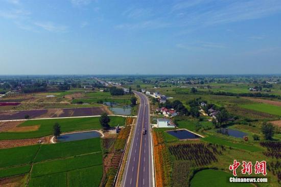 交通部:农村公路建设要增加金融支持,鼓励捐助捐款图片