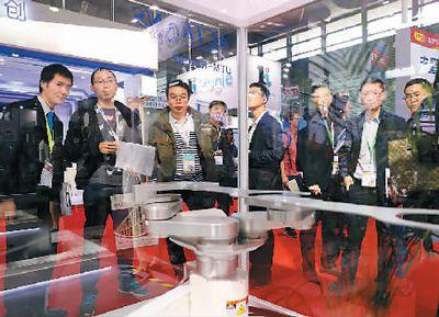 《中国集成电路产业人才白皮书(2016-2017)》显示,目前我国集成电路