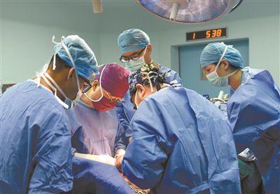 """首页>寻医·问药>医讯同期声医讯同期声                 换个""""边缘肺"""" 修复再移植         更多 更多 更多"""