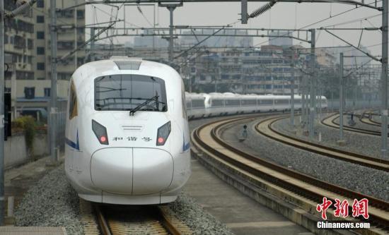 西成高铁全线可刷身份证乘车