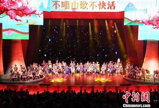 南宁国际民歌艺术节开唱 凸显 国际范中国风广西味