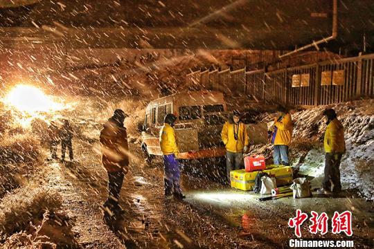 持续降雪对铁路带来影响 新疆铁路部门启动应急预案保畅通