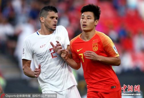 武磊梅开二度 国足3:0完胜菲律宾提前小组出线