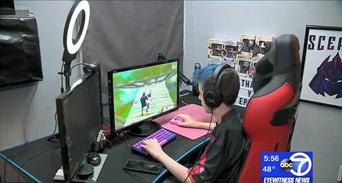 美少年玩电脑游戏赚百万 父母帮其注册公司请财务