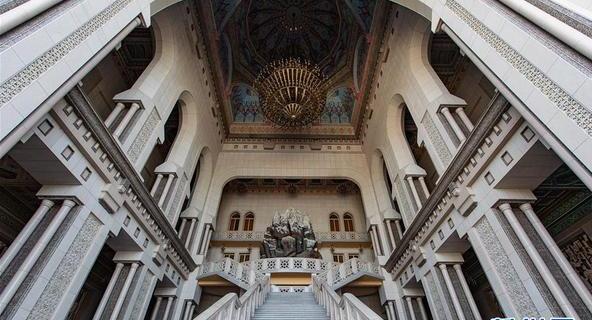 走进塔吉克斯坦纳乌鲁兹宫