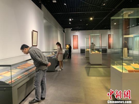 武汉一博物馆展出157件辛亥革命实物 全由民间捐赠——人民政协网