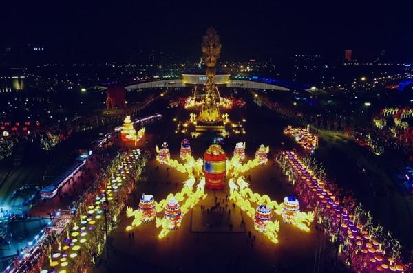 2020唐山南湖春节灯会盛装启幕―