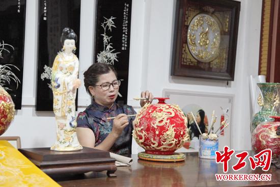 黄雪玉:漆线雕出匠人匠心——人民政协网