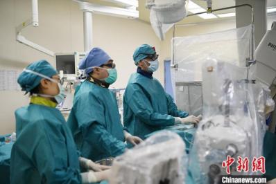 意大利医生逆行中国行医记:这里的患者需要我