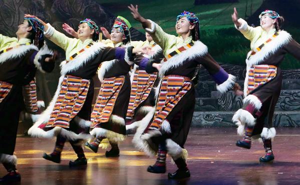 西藏当雄原创游牧文化歌舞剧在京展演