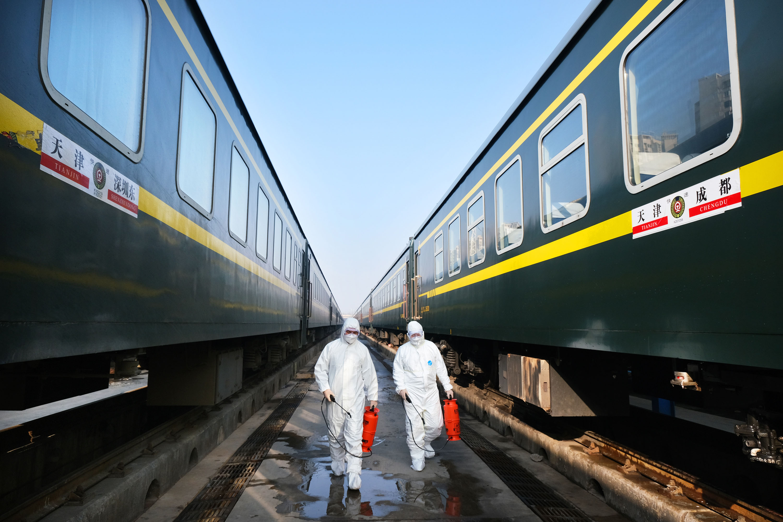 春运首日 铁路部门多举措做好疫情防控工作