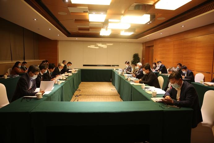 民盟中央理论学习中心组举行集体学习