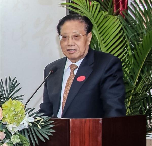 外交部原副部长、五洲书画院院长吉佩定致辞