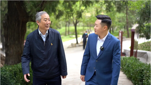 百年同心路  与委员同访丨毛泽东在香山会见张澜,卫士为何建议他借一件衣服穿?