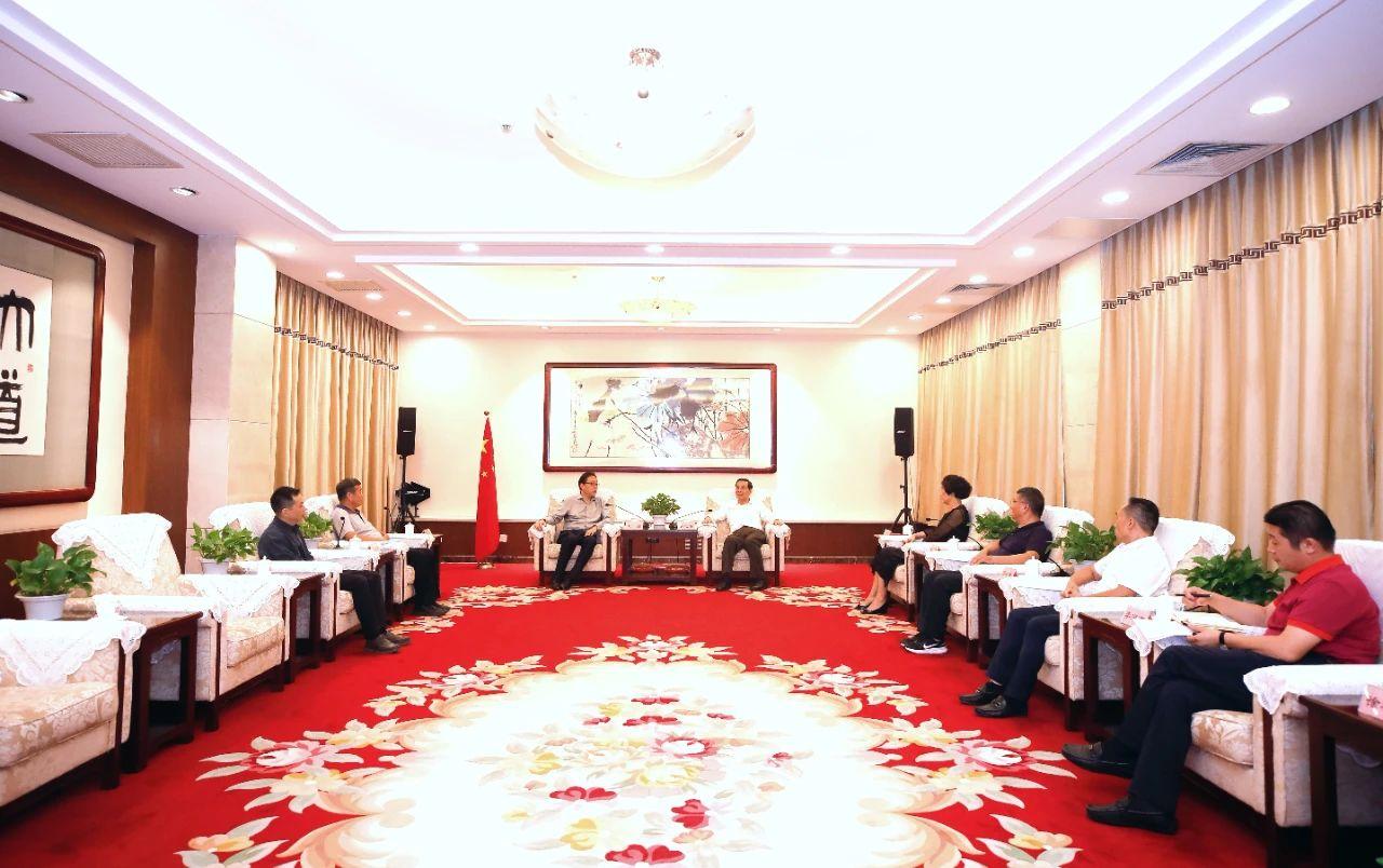 民革中央企业家联谊会:助推大润发建设1000家县域商业综合体