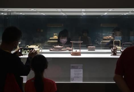 以紫砂为载体讲述中华文明